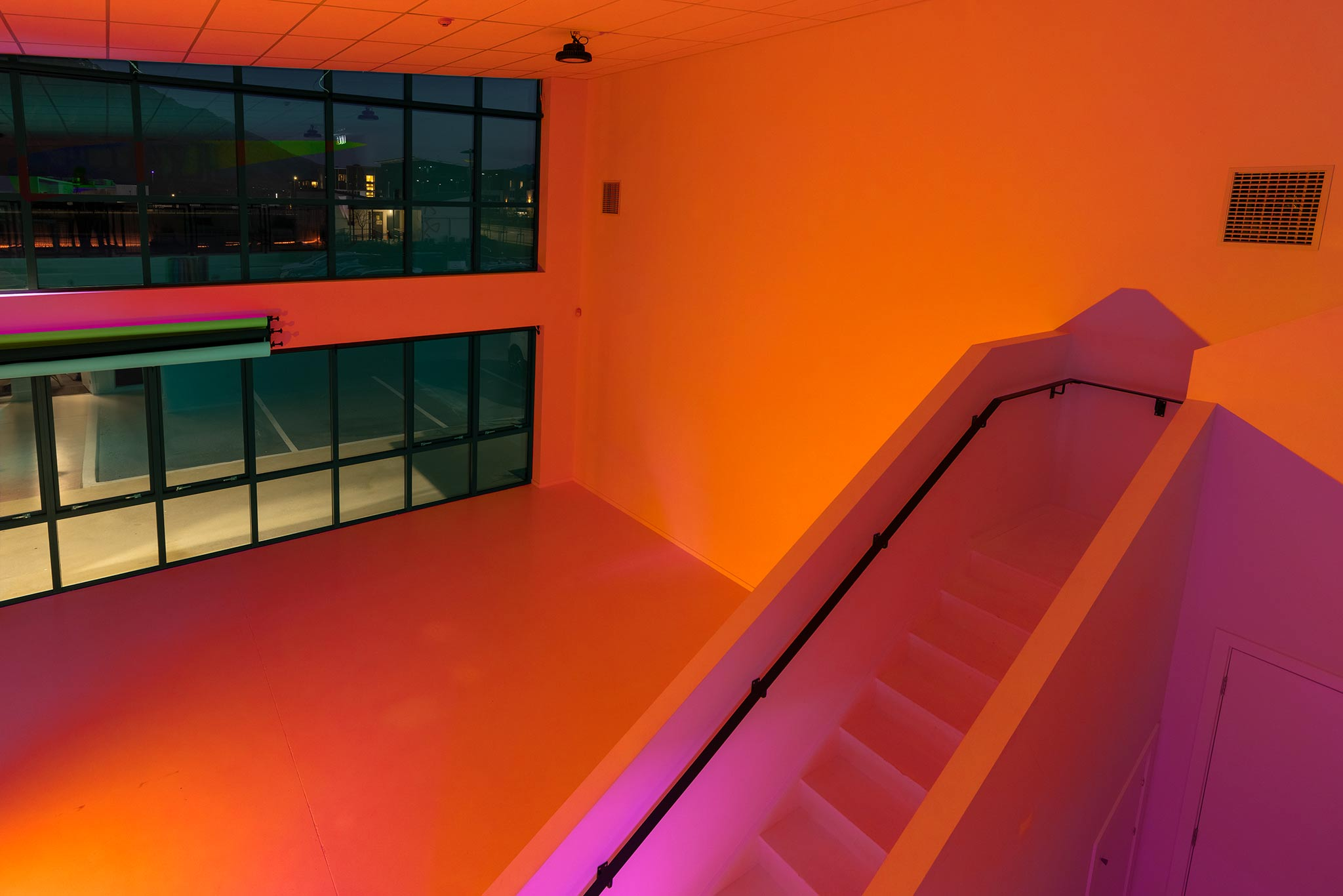 film-photo-studio-orange